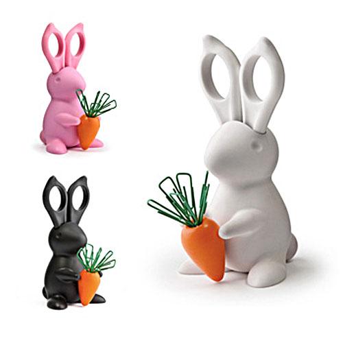 Desk_Bunny01