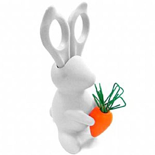 Desk_Bunny02